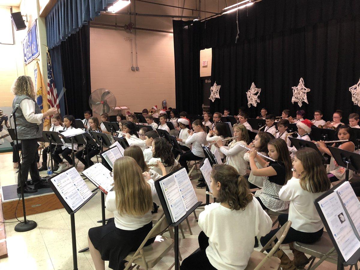 Newbury Elementary School's fourth grade band rehearses.