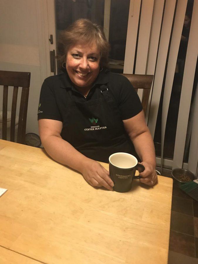 Former+Starbucks+employee+displays+her+favorite+winter+beverage.