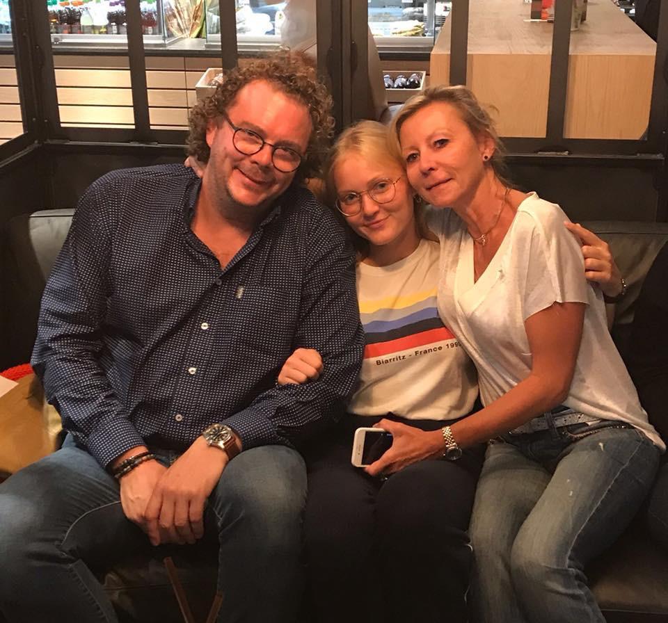 Hernan and her host family