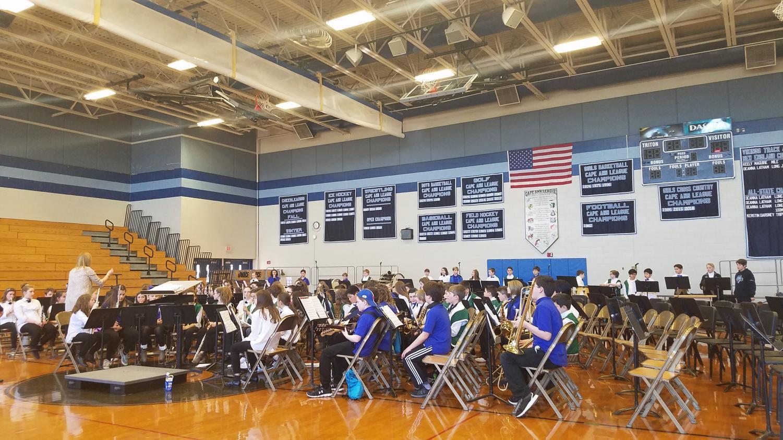 Elementary+school+band+practice.