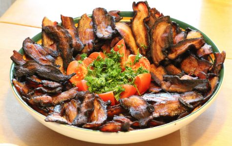 A typical Atkins Diet consists of heavy protein and fats, such as this plate of bacon.